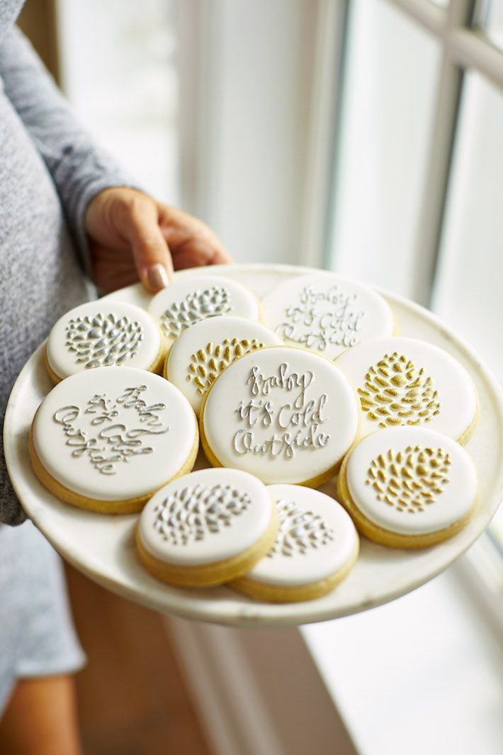 Christmas cookies // silver and gold                                                                                                                                                                                 More