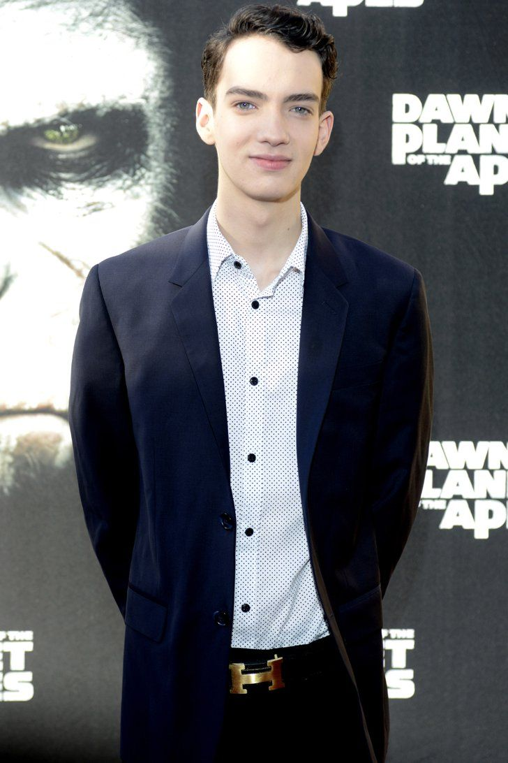 Pin for Later: Meet All the New (and Returning!) Mutants From X-Men: Apocalypse Kodi Smit-McPhee as Nightcrawler Smit-McPhee (Dawn of the Planet of the Apes) will play Nightcrawler. Alan Cumming originally played the role in 2003's X2.