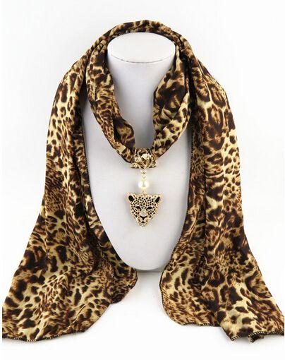 Купить товарНовое поступление Высокое качество шифон сексуальные леопардовым принтом подвеска длинное дамские платки ( LK0339 ) в категории Шарфына AliExpress.        Фирменное наименование: руки-lingking ювелирные изделия                 Тип элемента: 100% новый Шарф Ожерелье