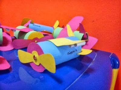 Νηπιαγωγός από τα πέντε...: αεροπλανάκια