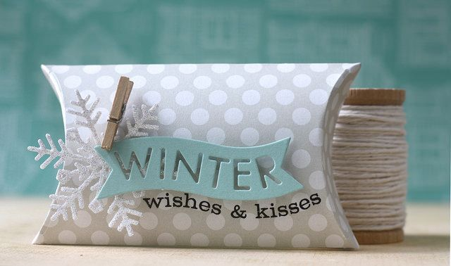 Winter Wishes & Kisses Pillow Box by Laura Bassen for Papertrey Ink (October 2014)