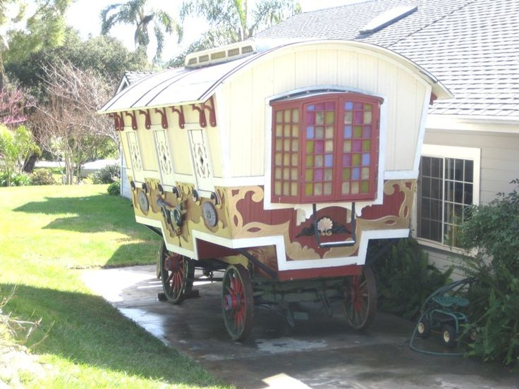 """""""Pee-Wee's"""" Gypsy Wagon for Sale: Caravans Vardos Vehicles, Tiny House, Caravans Stagecoach Wagons, Caravans Tiny, Movie, Gypsy Wagons, Homes, Gypsy Caravans, Gypsy Name"""