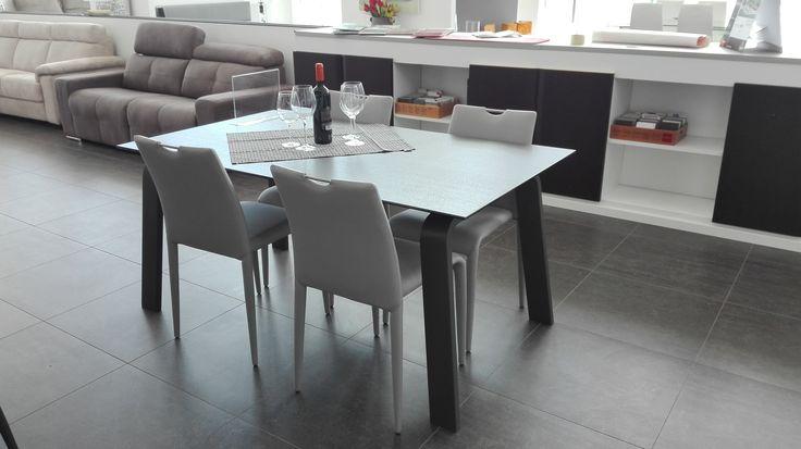 Target (YOUR) Point I nostri prodotti in esposizione presso Arredamenti MUSSO di Chiusa Sclafani (PA) | www.arredamentimusso.it In foto #tavolo DEIMOS + #sedia FRIBURGO Target Point, Italian Ideas #interior #interiordesign #furniture #targetpoint #italianideas