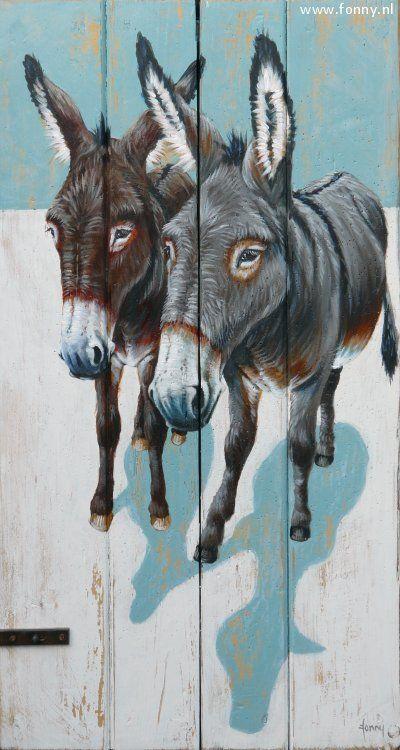 Twee ezels op een kleine houten schot / Two donkeys on a wooden partition - 40 x 73 cm | ezel | dieren | schilderij | oud hout | deur | boerderij | donkey | animals | painting | old wood | door | farm |