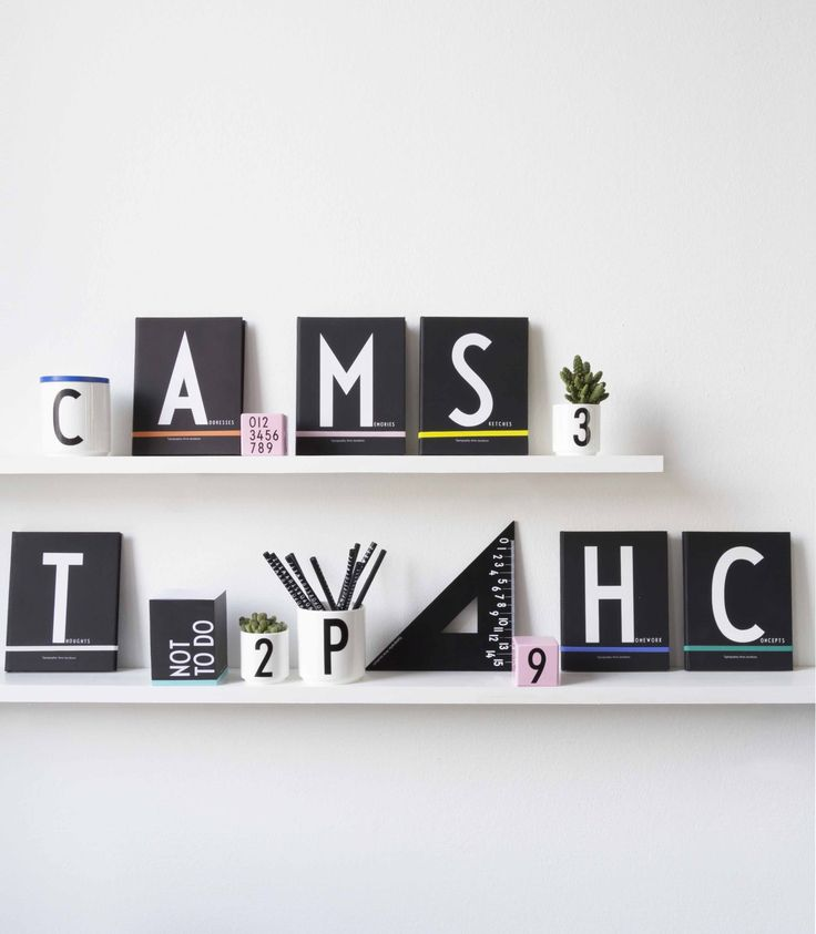 Une typographie du Danois Arne Jacobsen et des objets du quotidien