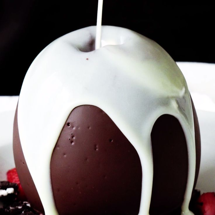 Protect your precious sweet goods with this simple chocolate dome.