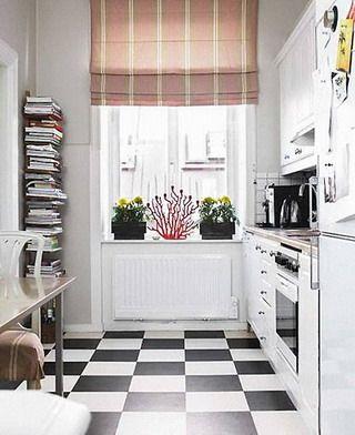 suelo damero cocina pequeña