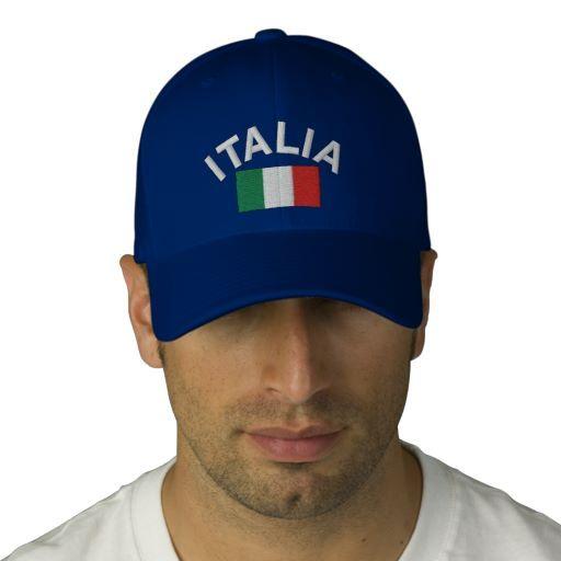 Italië hoed. Een van de beste cadeaus Italië. Een geborduurde Italië baseballpet met de Itatlian vlag en het woord 'Italia'. Deze hoed is groot voor Italiaanse voetbalfans en andere sportevenementen. Deze Italiaanse vlag hoeden zijn er in verschillende stijlen kleuren om uit te kiezen. Klik op de afbeelding voor meer Italië cadeau-ideeën te kopen of te verkennen.