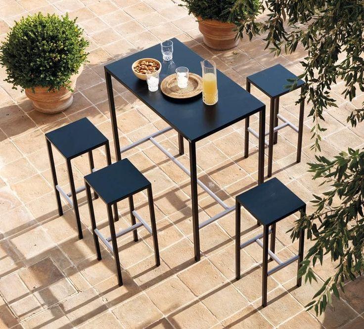 Seaside kit, Set da esterno composto da sgabelli e tavolo alto