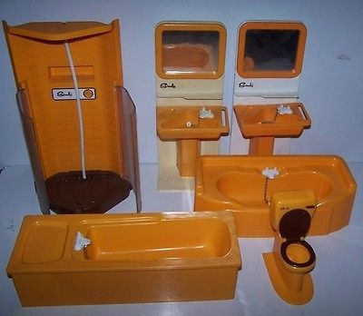 Original  Vintage Pedigree Sindy Doll House Furniture  Bathroom Toilet  BOXED