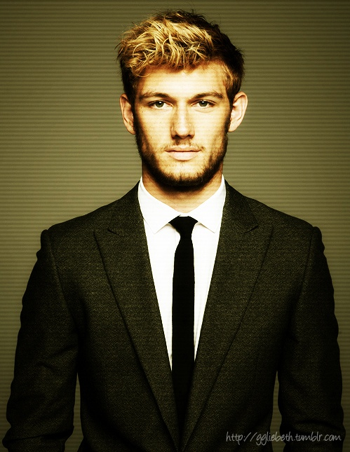 "Alex Pettyfer	 (Stevenage, Hertfordshire, England) Height: 5' 11¼"" (1.81 m)"