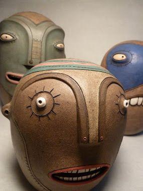"""los tres ojos cerámica: """"el taller ya está en pié, solo faltan las terminaciones y el adobe en las paredes interiores..."""""""