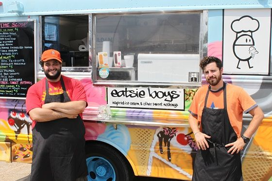 A (Very Nearly) Comprehensive Guide to Houston's Food Trucks!