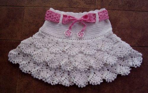 crocheted girls skirt with ruffles