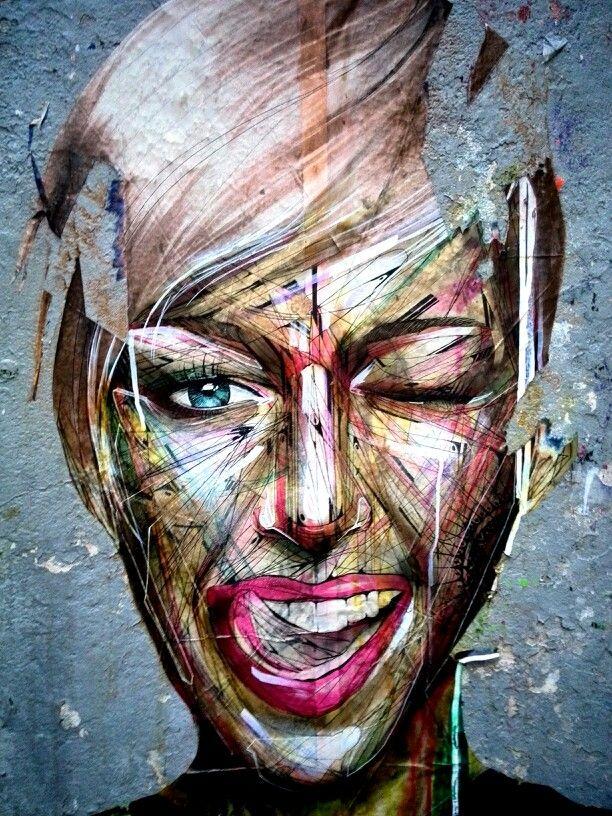 Collage rue Vieille-du-Temple à Paris 4e d'Alexandre Monteiro, alias Hopare, graffeur parisien. Artiste au travail : http://www.hopare.com/wp-content/uploads/2013/11/IMG_4755.jpg