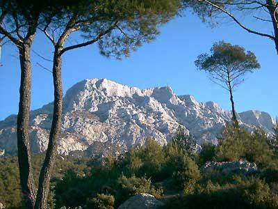 La Sainte-Victoire, Notre montagne fétiche !!! on l'aimeeeeeee!! Toque-et-truc.com s'en inspire toujours!