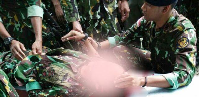 Gempar! Perwira Pemburu Kelompok Santoso Diduga Depresi Tembak Kepala Sendiri di Masjid http://ift.tt/2nymZ4Q