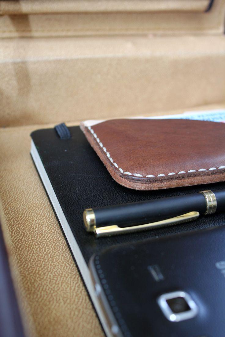The things i need in my journeys  #leathergoods #indonesia #leathercraft #handmade #slimwallet #holarocka