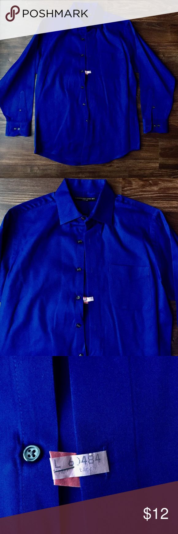 Geoffrey Beene 15 1/2 32/33 Blue Dry Cleaned PRISTINE CONDITIONS-This Button Down has been taken to the dry cleaners and is completely starched. It is in excellent preloved Conditions. Size 15 1/2, 32/33, Brand Geoffrey Beene. The material has been Starched so please be aware that it will seem as though it has permanently ironed. It feel like thinner, softer sort of cardboard—if you're looking for that professional look. This can be removed with being placed in the wash, and it will return…