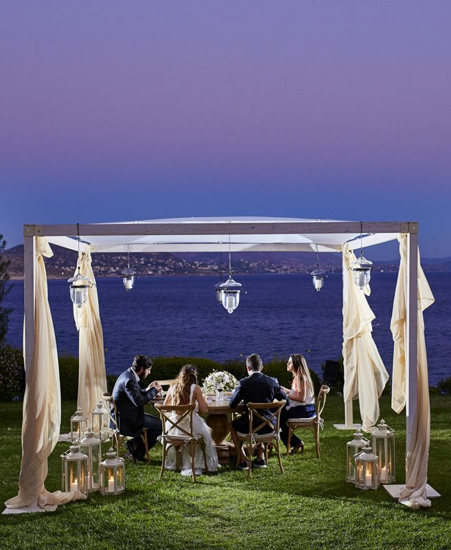 Island Art & Taste is a breathtaking setting for your wedding reception.