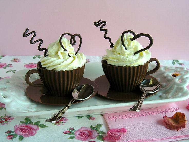Cupcakes de Chocolate y Cereza con Crema de Mascarpone al Champagne y... Corazón Galletero
