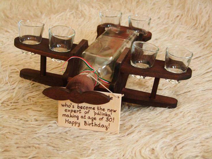 Pálinkás Készlet. Repülőgép Fából  #pálinkás #ajándék készlet #pálinkás készlet #ajándék ötletek  Pálinkás ajándék Minden Alkalomra.Gravírozva is.  http://borosbolt.hu/index.php/boros-kellekek-ajandekok/palinka-kedveloknek