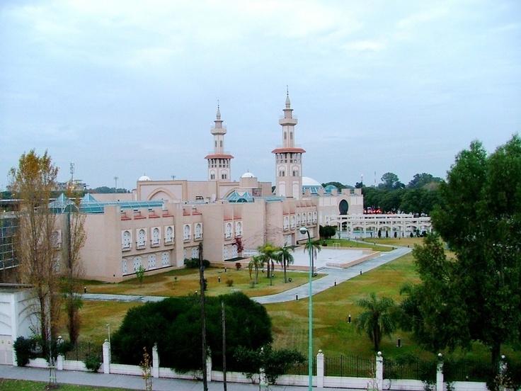 la mezquita mas grande de Sudamerica, en uno de los predios mas caros de Buenos Aires, (Palermo)