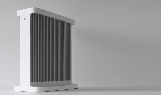 快適な夜を。 バルミューダというと扇風機の「GreenFan」シリーズのイメージがあります。でも、今度の製品は暖房器具。一見オイルヒーターのように見えますが、新しいアルミラジエーター方式を採用してお