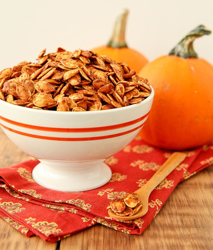 Roasted pumpkin seeds are one of the greatest October treats.  Today I decided to spice things up a bit and make Sriracha Spiced Pumpkin Seeds!