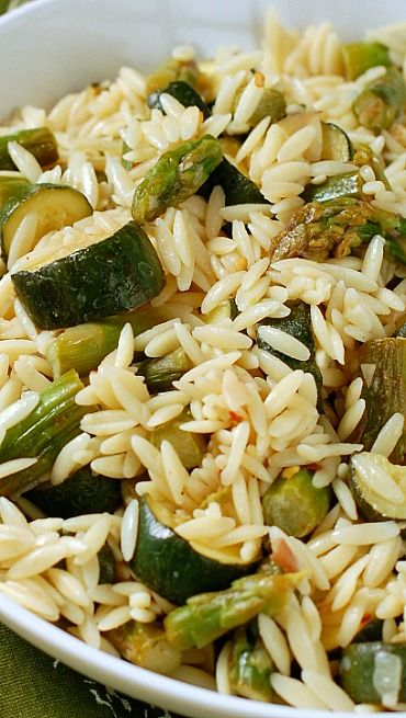 Orzo Pasta Salad with Asparagus and Zucchini