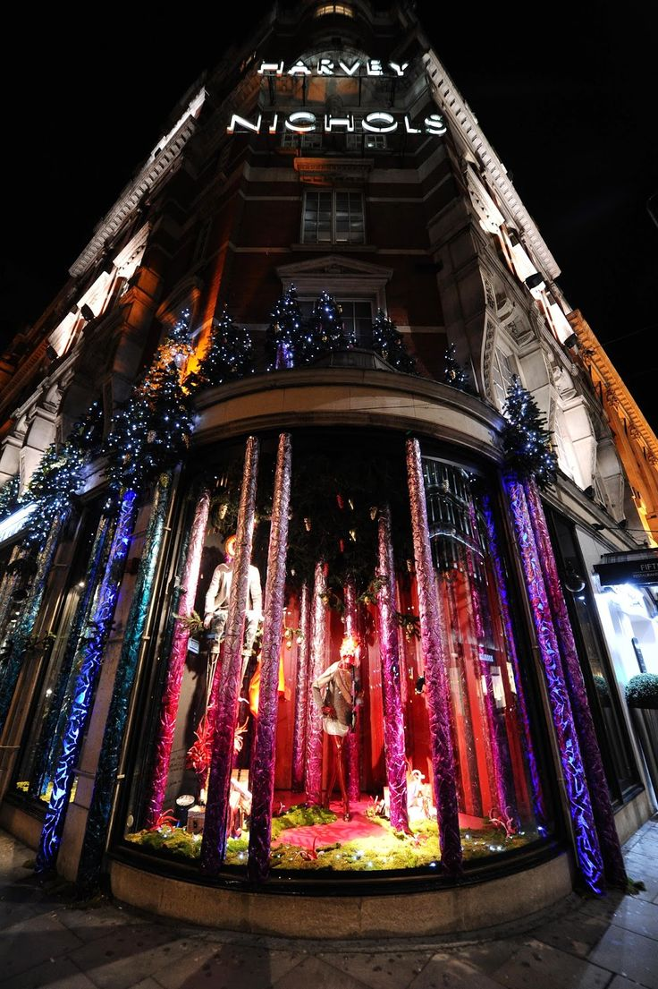 www.retailstorewindows.com: Harvey Nichols, London