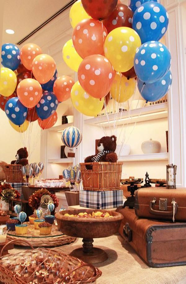 Vintage hot air balloon 1st birthday party planning for Balloon decoration for 1st birthday party