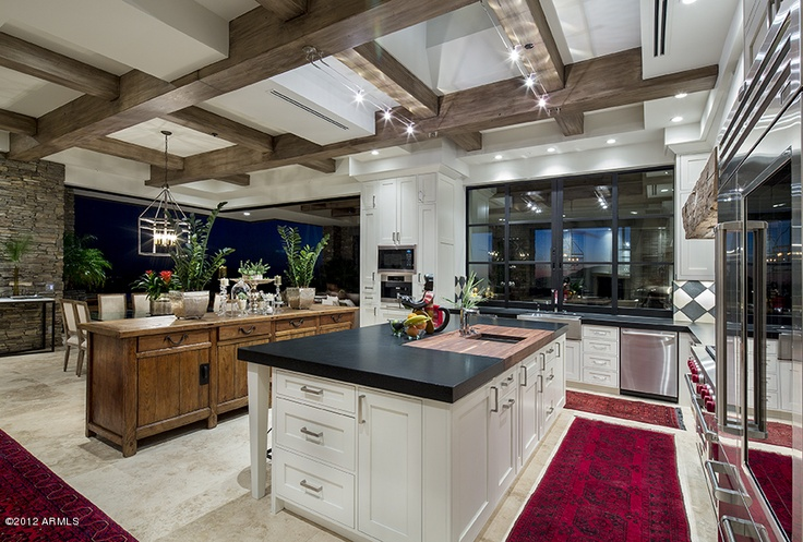 Little splash of color in the kitchen. - Your Discount Realtor Source - www.myagentsearch.com