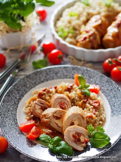 roladki-schabowe-z-szynka-szwarcwaldzka-kozim-serem-i-suszonymi-pomidorami