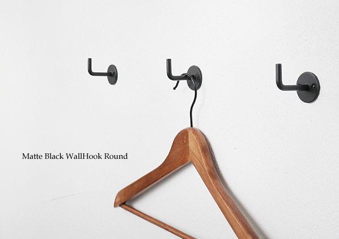 シンプルなデザインとマットなブラックで合わせやすいウォールフック フック ブラック 金物 ウォールフック 玄関 フック 壁掛け フック