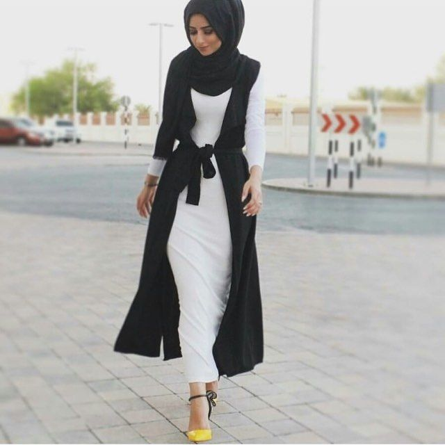 Monochrome with a touch of yellow! Via @sohamt  #fashion #style #stylish #trend #trendy #instadaily #instastyle #instafashion #like #love #jumiafashion #muslimahfashion #turban #friday