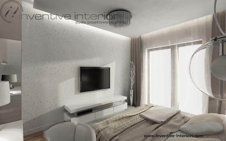 Projekt sypialni Inventive Interiors - przestronna  sypialnia z białą tapetą