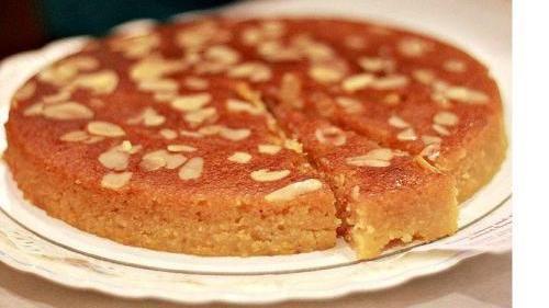Almond whisky honey cake (honey, butter, almonds, eggs, lemons, sugar/sub, whisky)