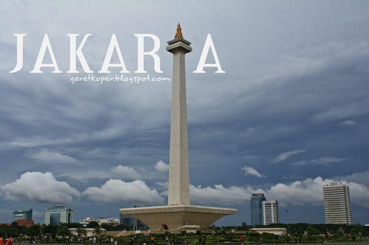Monas :) Siapa bilang travelling keliling Jakarta ngga seru ;)