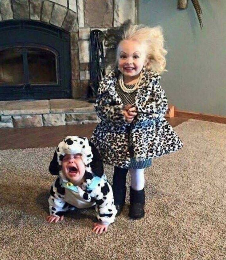 LOL.. Best sibling costume ever
