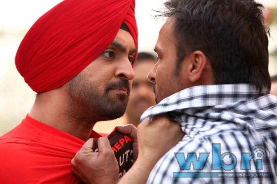Rajvir (Diljit Dosanjh) fights Rajvir (Amrinder Gill) for the love of Preeti (Surveen Chawla) in Saadi Love Story (2013) Punjabi Movie