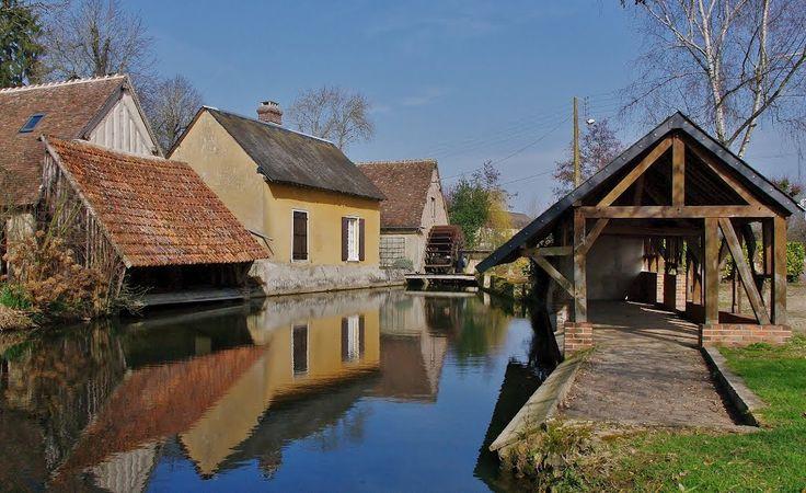 Les canaux,les lavoirs et le moulin Saint Pierre de Courville sur Eure - Eure et Loir