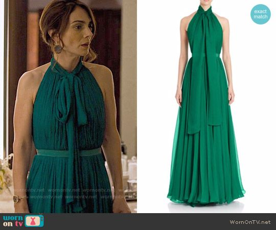 Sam's green halterneck gown on Friends from College.  Outfit Details: https://wornontv.net/75775/ #FriendsfromCollege