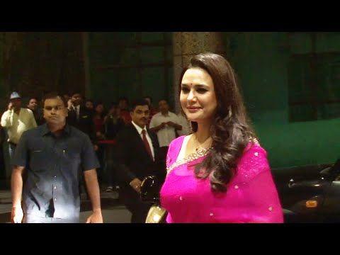 WATCH Preity Zinta at Shahid Kapoor and Mira Rajput's wedding reception. See the full video at : https://youtu.be/AyTPybOhDEc #preityzinta
