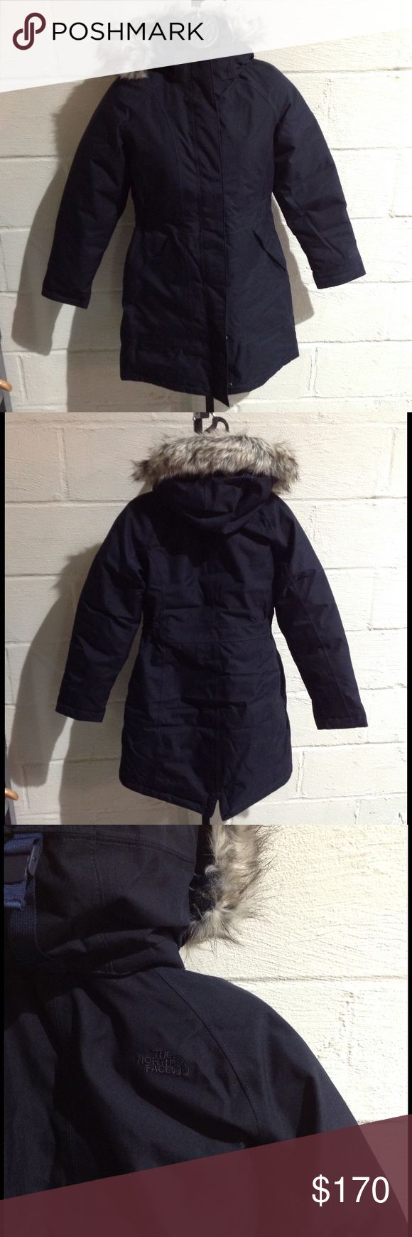The North Face Women's Arctic Down Parka This parka is stylish and warm! Waterproof, insulated, 550-fill goose down and full zip with hood! (PM-W0280) North Face Jackets & Coats