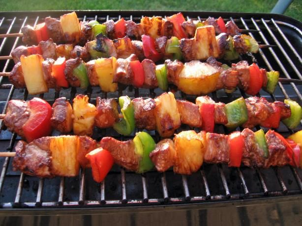 Hawaiian Chicken Skewers. Great idea for the family barbecue! Don't forget to bring the Tiki Toss board! Playtikitoss.com , playtikitoss.com/blog #fungames #outdoorgames #bbqgames #indoorgames #drinkinggames #bbq #drink #food #greatideas #parentscanhavefuntoo #fununderthesun #family #ocean #beach #kidgames #game #beautifulday #summer #spring
