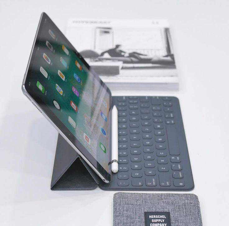 "5,957 curtidas, 11 comentários - Beauty of Technology (@beautyoftechnology) no Instagram: ""New Apple iPad Pro 10.5"" by @jtechapple . . . . . #apple #ipad #ipadprp #clean #minimal #setup…"""