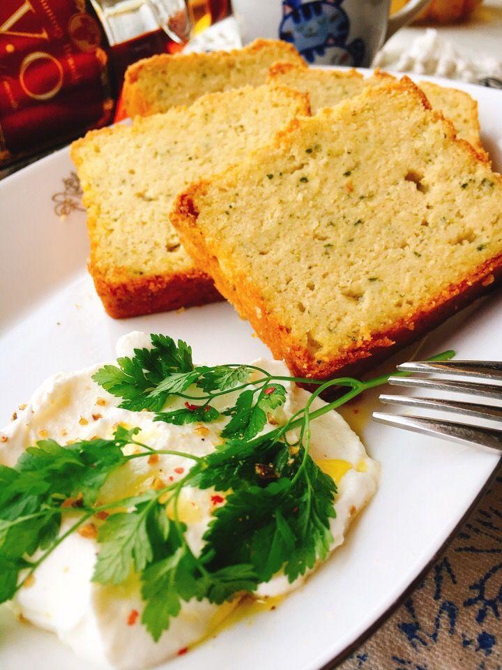 misuzu's dish photo お砂糖なし粉なし ズッキーニブレッド | http://snapdish.co #SnapDish #レシピ #簡単料理 #美容/ダイエット #野菜料理 #チーズの日(6月1日) #ケーキ