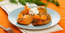 Морковные котлеты со сметаной для детского стола