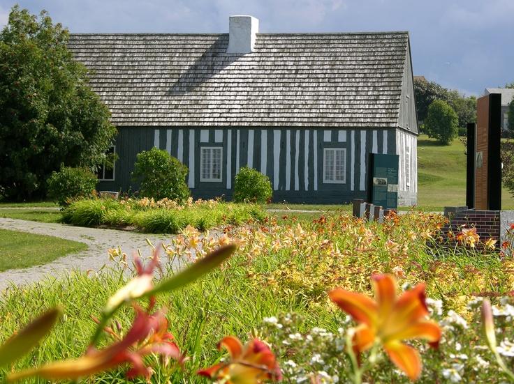 La Maison Lamontagne, une maison en architecture colombage pierroté. Magnifique!  www.tourisme-rimouski.org